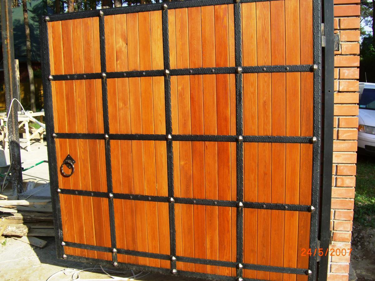 Красивые деревянные ворота и калитки своими руками фото